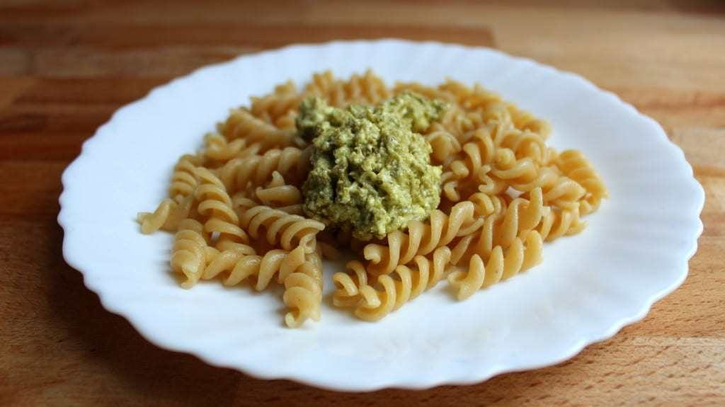 Koriander-Zitronen-Pesto