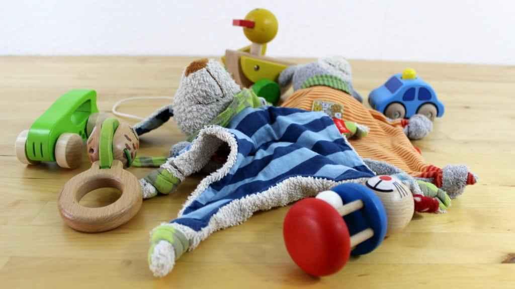 ✪ Sinnvolles Babyspielzeug ab 3 Monate