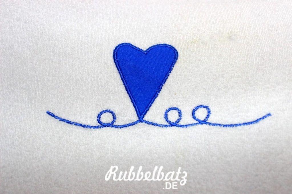Vor allem das kleine Herzchen ist wirklich toll, wenn ich auf dem Bauch liege. Einfach faszinierend.