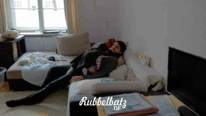 sonntag-baby-schlaft-zuhasue-weiter