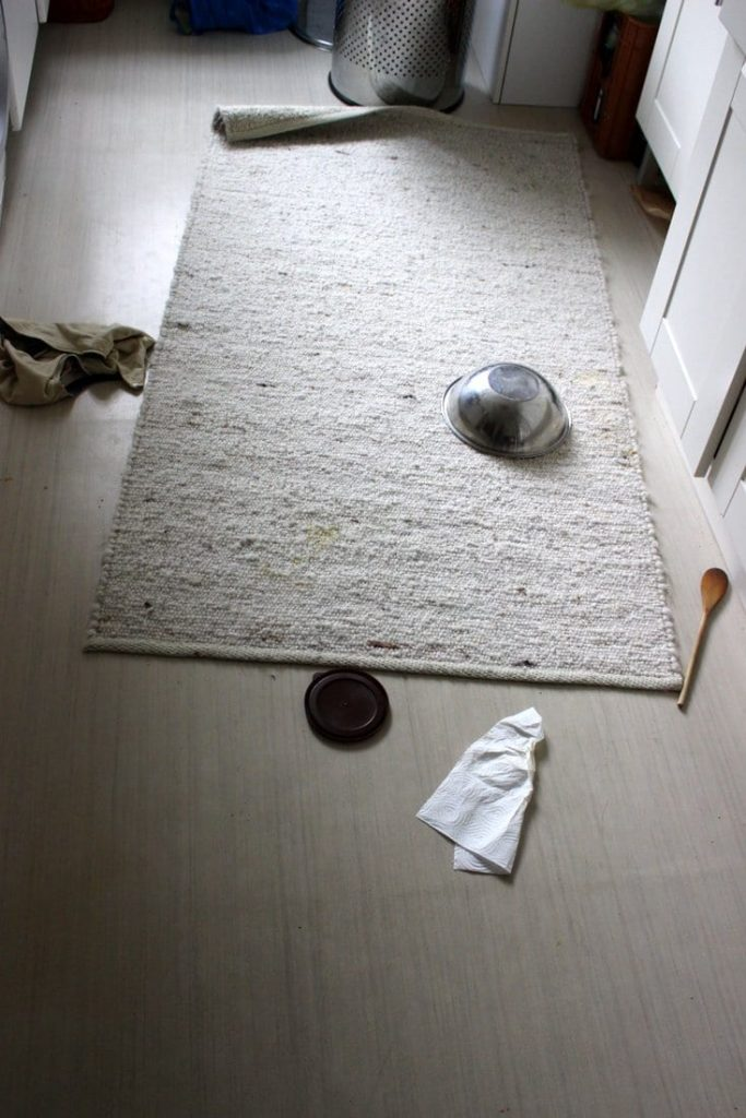 Küchenboden Unordnung