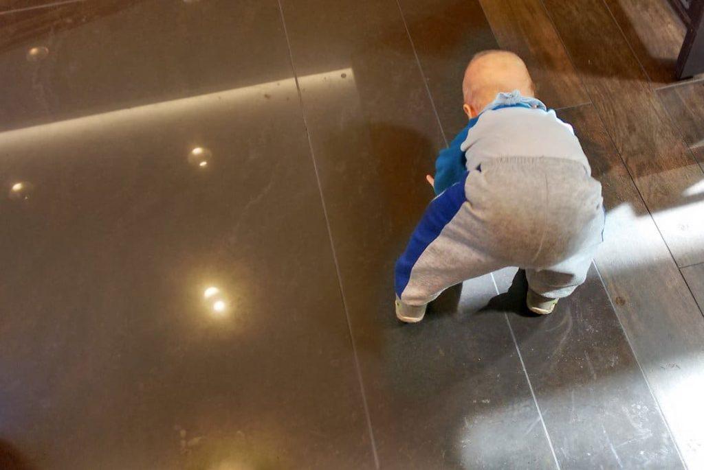 Und wie der Boden glänzt!