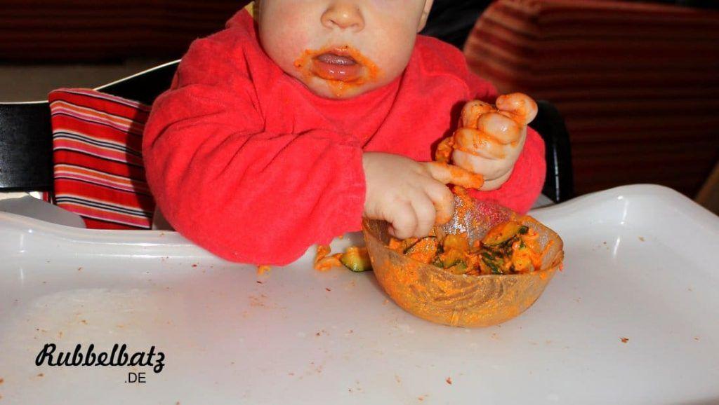 Soll ich mein Baby mit den Händen essen lassen?