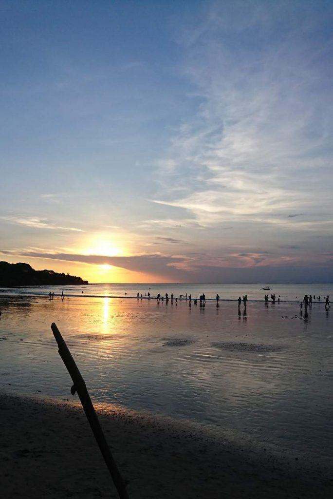 Sonnenuntergang auf Bali am Meer