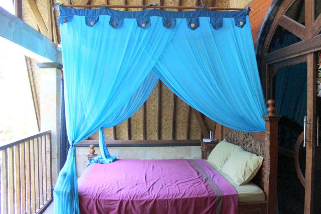 schlafen mit mückennetz für nächte auf bali