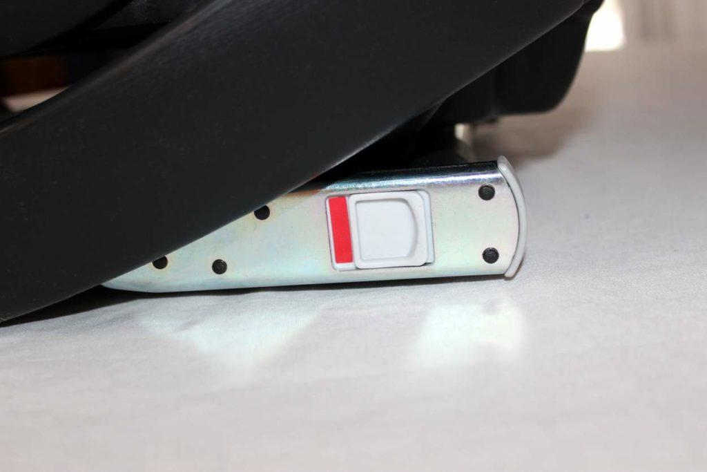 Iso-Fix mit Signalfarbe Rot des Pallas S-Fix Kindersitz