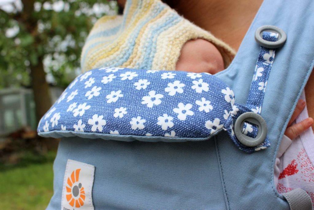Ergobaby Omni 360 mit Neugeborenem