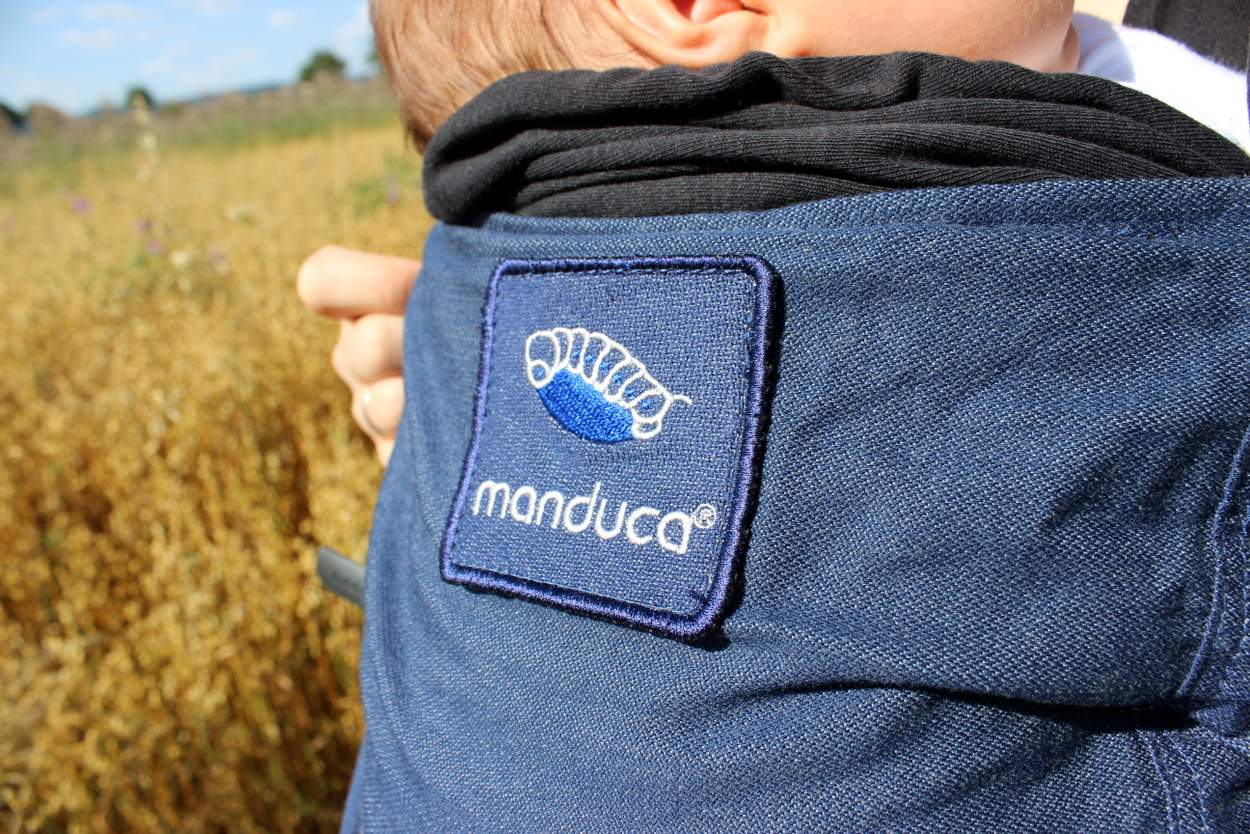 Manduca Duo Logo