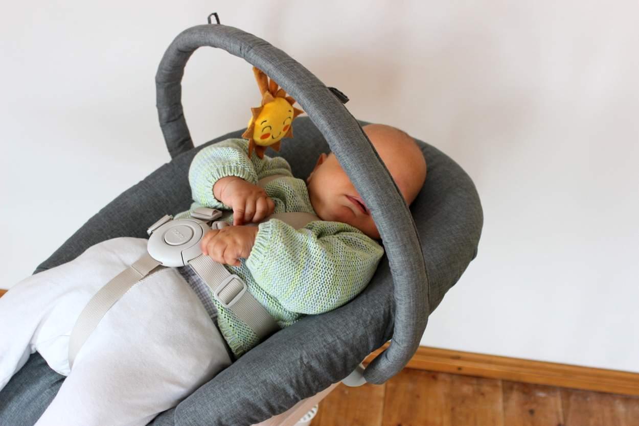 Baby Wackelt Mit Dem Kopf